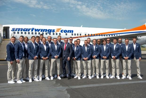 e69ad6fee Nejlépe oblečení čeští fotbalisté a průšvih s kolekcí na Olympiádu