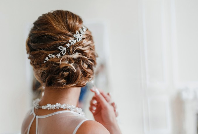 essential wedding accessories for the bride and groom
