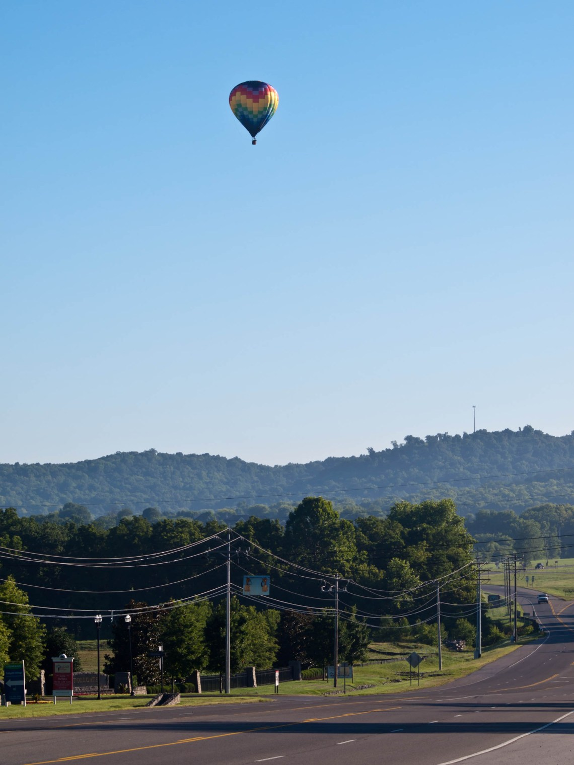 Hot Air Balloon over Highway 31.