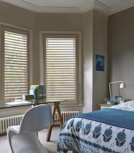 bedroom-bay-window-plantation-shutters