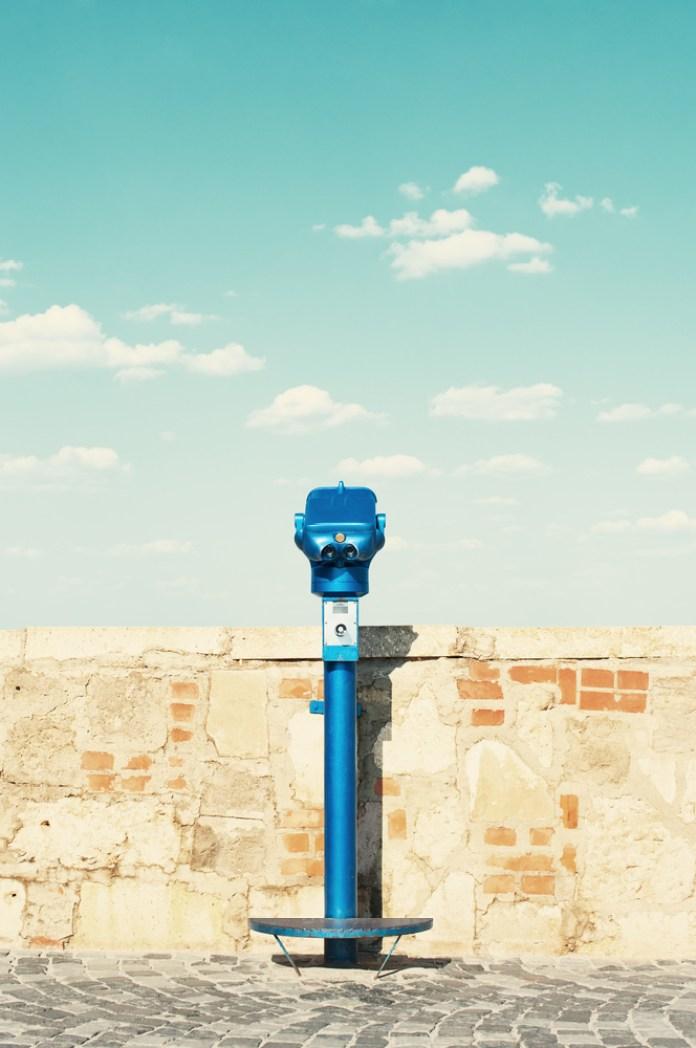 binocular sightseeing