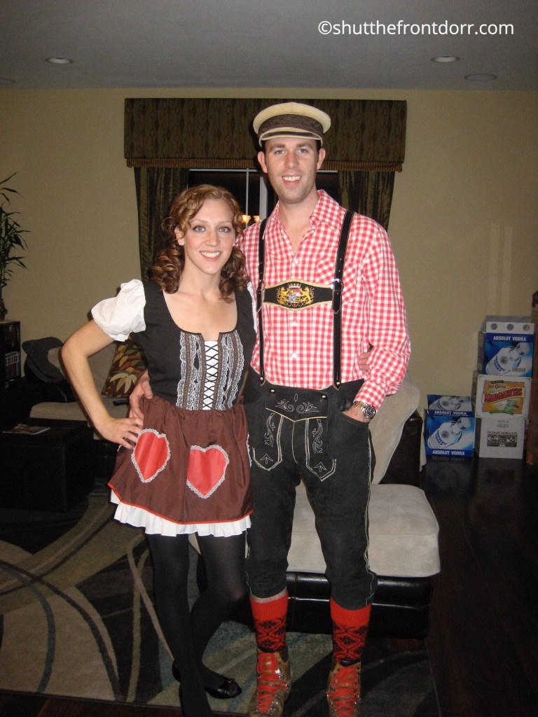 german-couple-costume