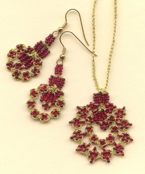 BEANILE Split Ring Pendant and Earrings Set.  Teacher:  Mimi Dillman.
