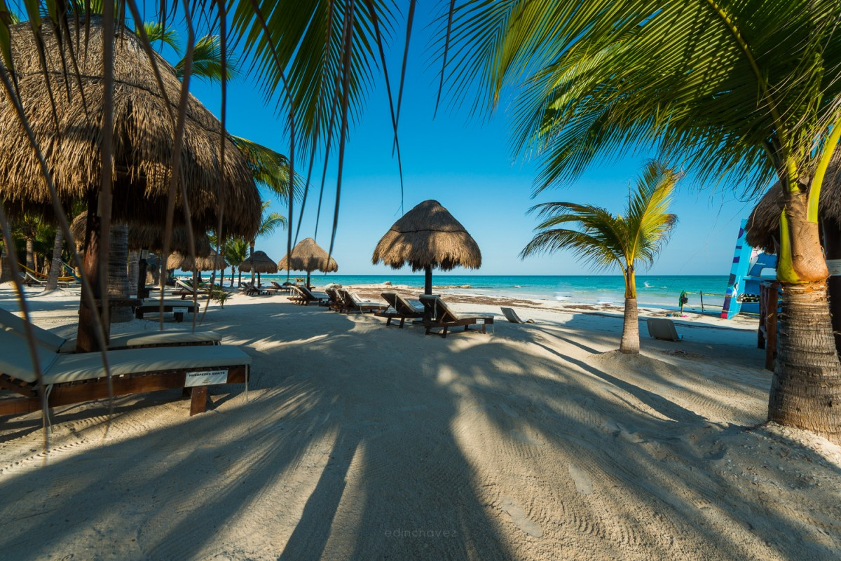beaches in holbox mexico island