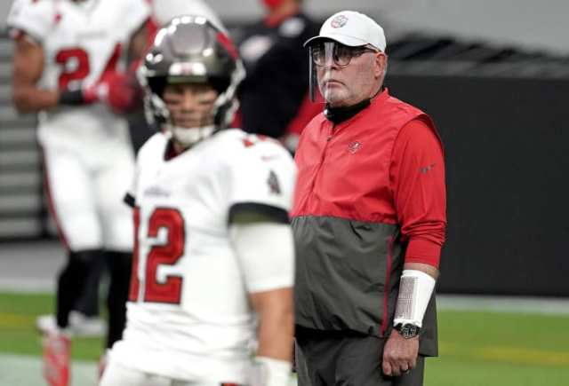 Bruce Arians before a 2020 Bucs game, with Tom Brady in the foreground