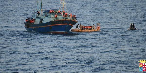 barcone affondato libia, immigrati morti libia, libia barcone affondato, libia barcone affondato morti, 40 morti libia, canale di sicilia, immigrazione