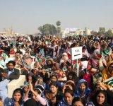 Shahbaz Sharif distribute Solar Home Systems in Bahawalpur (2)