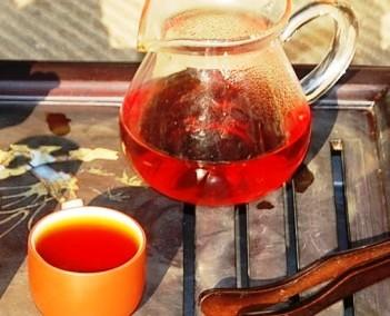 Lapsang Qingming Jin Jun Mei Golden Eyebrows Black Tea, infused