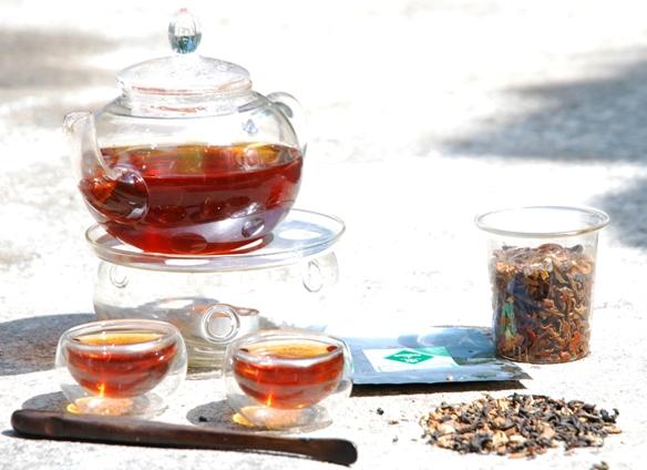 Oriental Chai Thai Tea Blend in bright sunshine
