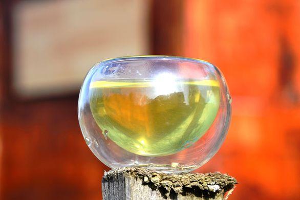 Emerald green cup of Shincha Gyokuro Wakana Green Tea