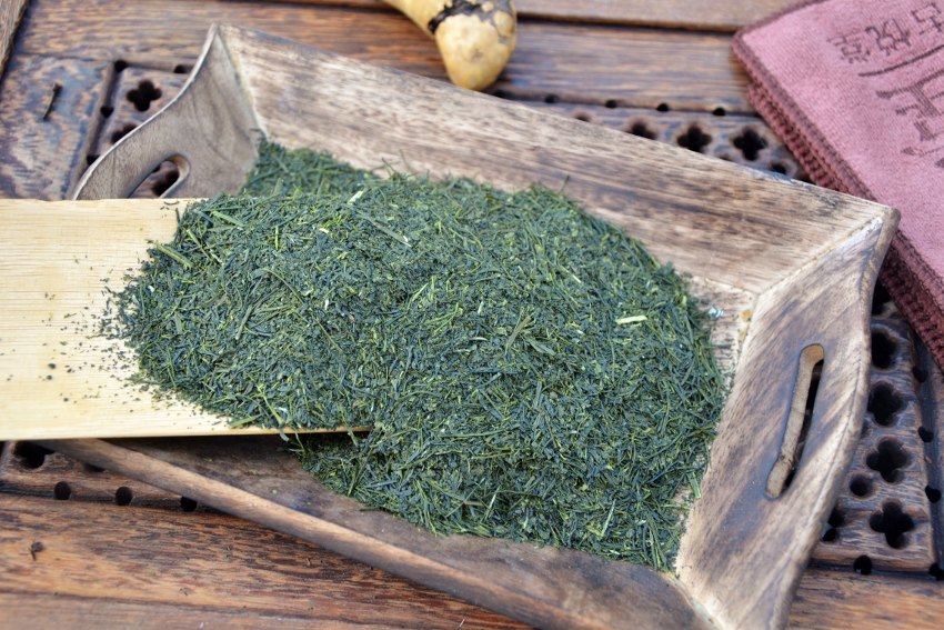 Tenbu Fukamushi Cha - deeply steemed Japanese green tea from the mid-April early picking