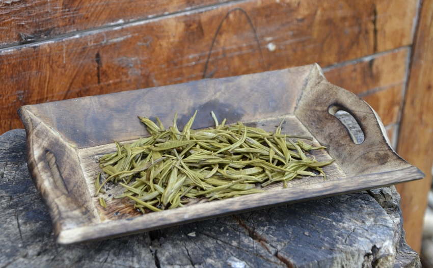 Bolaven Silver Cloud - white arbor silver needle tea from Bolaven Plateau, south Laos