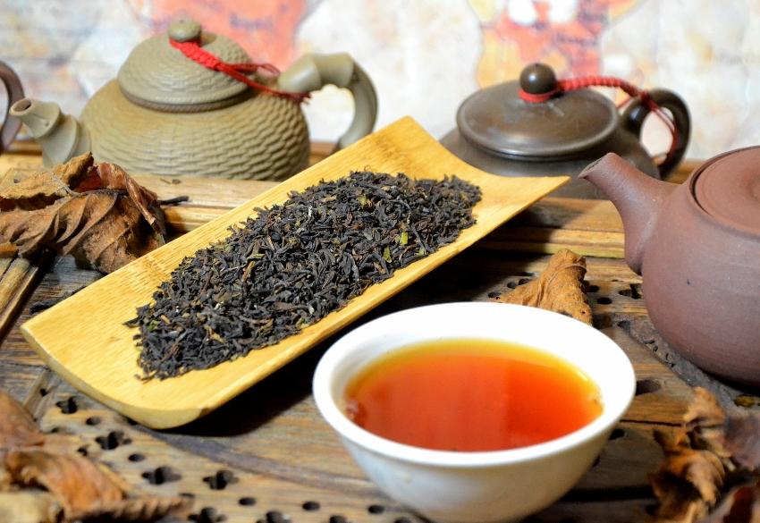 """""""Autumnal"""" of Jungpana tea garden in Darjeeling, northeast India"""