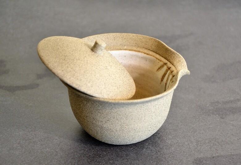 SiamTeas Signature Shiboridashi 100ml, light grey with half-transparent white inner glazing, bulbous shape - individually handcrafted by Lower-Saxony tea pottery master Karina Klages