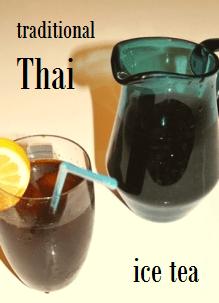 Traditionelle thailändische Eistee-Mischung im Siam Tee Shop