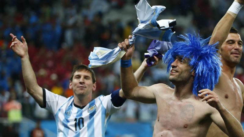 Argentina Beats Netherlands, Advances to World Cup Championship