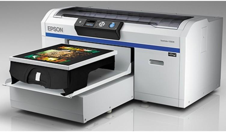 Pertimbangan Dasar Dalam Memilih Printer DTG Untuk Memulai Usaha Sablon Kaos Printer DTG