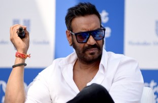 """Indian Bollywood actor Ajay Devgn attends the launch of the environmental campaign """"Start a little Good"""" during the """"Plastic Banega Fantastic"""" event, in Mumbai on January 19, 2019. (Photo by Sujit Jaiswal / AFP)"""
