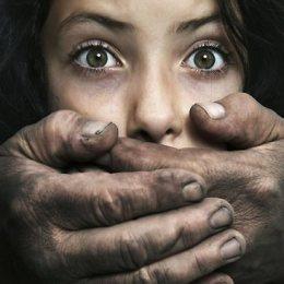 Perse femrat nuk ndahen nga partneri i tyre abuzues? Ja arsyet!
