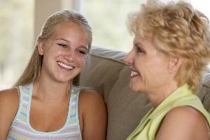 Si duhet te reagoni kur te kuptoni qe femija juaj adoleshent ka partner.