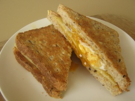 Ide mengjesesh per femijet. Si ti bindni te hane mire ne mengjes. ne forme zemre buke
