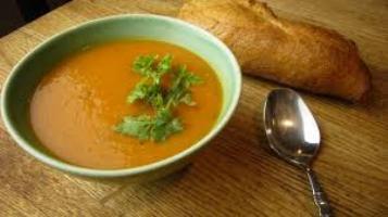 Supe krem me patate dhe limon. Receta gatimi te thjeshta.