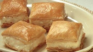 Byrek tradicionale me djathe.Receta gatimi Greke.