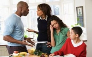 Cfare e shkaterron nje familje Gabimet qe behen.Thashethemet familja