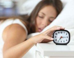 Sa ore gjume duhet te fleme sipas moshes qe kemi. oret e gjumit sasia e gjumit