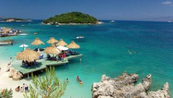 Arsyet pse Shqiperia duhet te vizitohet per turizem.
