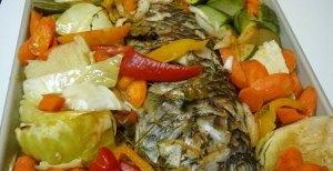 Peshk me perime dhe patate ne furre. Receta gatimi.