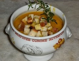 Supe e lengshme e thjeshte dhe e shijshme. Receta gatimi.