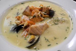 Supe me peshk dhe perime. Receta gatimi. leng limoni