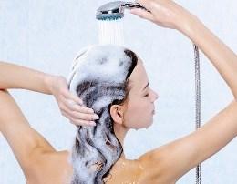 Disa te verteta qe nuk i keni ditur per shampon.