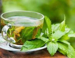 Arsyet shendetsore perse duhet te pini me shpesh caj te gjelber.