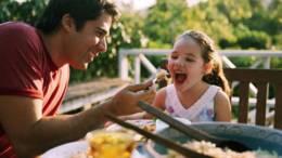 Cilat jane disa nga gjerat qe e bejne nje familje te lumtur. Psikologji.
