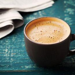 Arsyet pse asnjehere nuk duhet ta pini kafene me stomakun bosh..