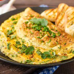 Meqe Omeleta eshte bere e famshme keto kohe, kemi edhe ne sugjerime sesi ta pergatisni sa me te shijshme vete