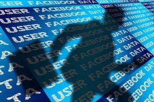 'Facebook fotoğrafların kimler tarafından görüntülendiğini ve paylaşıldığını takip ediyor'