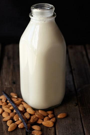 badem sütü nasıl yapılır