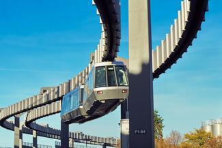 Moderne Videomanagementsysteme vereinen Sicherheitsprozesse und Betriebsabläufe und helfen bei der Steuerung von Verkehrsinfrastrukturen..