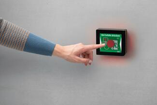 """Die """"Eped""""-Technologie bei Assa Abloy umfasst eine komplette Produktfamilie. Dazu gehört auch eine gesteuerte Druckstange mit integriertem Display-Terminal."""