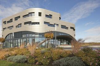 Künstliche Intelligenz, Forschung und Weiterbildung sind zentrale Aspekte des neuen Technologiezentrums von IDS.