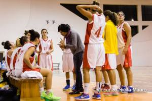 Timeout Unime Messina con Coach Buzzanca, photo Vincenzo Nicita Mauro