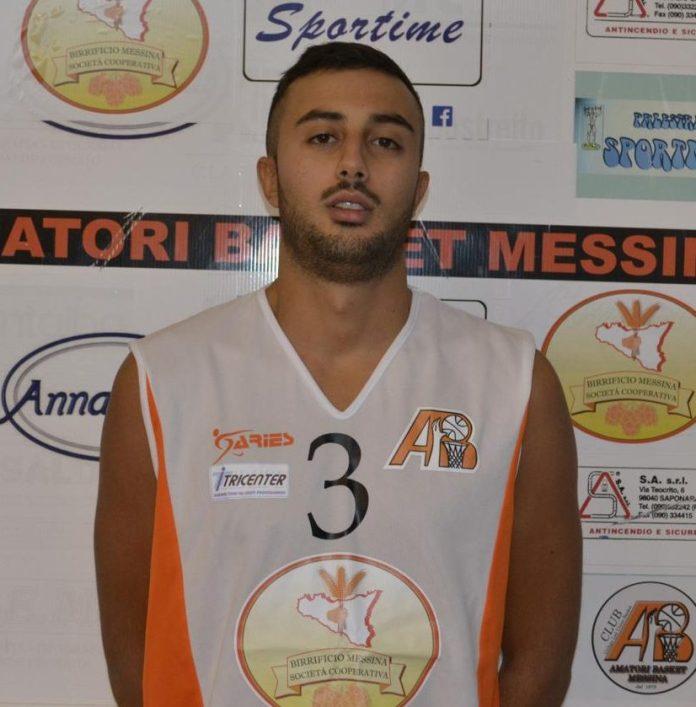 Francesco Calarese in maglia Birrificio Messina
