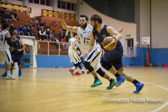 Catanoso (Gruppo Zenith Messina) difende su un avversario - photo Vincenzo Nicita Mauro
