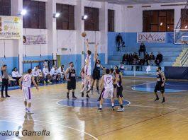 Palla a due Castanea - Amatori Basket Messina - photo Garreffa