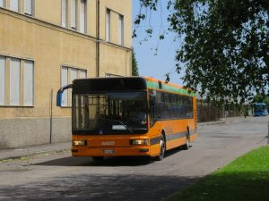 Lanciano pietre contro gli autobus, denunciati tre minorenni