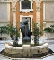 Emilio Greco, Scultura in bronzo. Cortile d'onore del Senato
