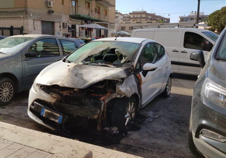 Siracusa, incendiata l'auto del giornalista Gaetano Scariolo